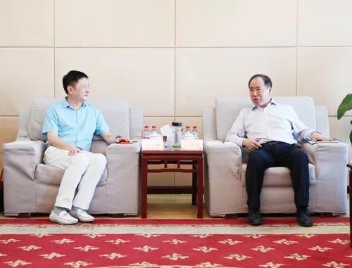 转发运输公司《公司与深圳飞马国际举行座谈》的报道